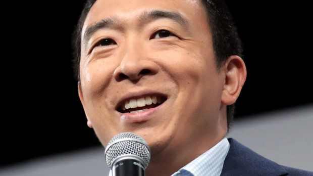 poster-andrew-yang-LA-debate-likeability
